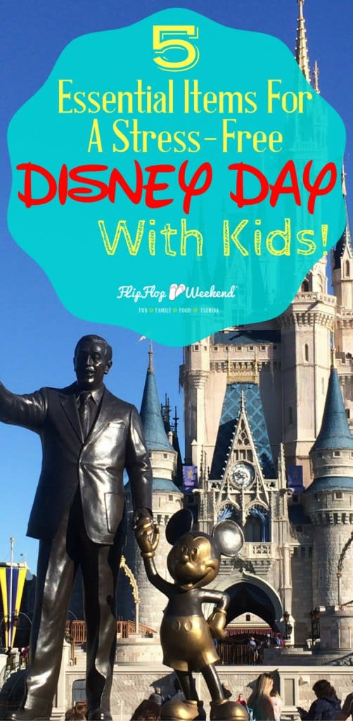 There are five items that you should have on your packing list for a stress-free Disney Day with kids! They are my Disney essentials, and will help your stay at Walt Disney World stay magical.
