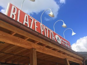 If you are looking into Disney Springs dining options, this restuarant review of Blaze Pizza explains why it makes a great choice for Disney World dining that doesn't break the bank.