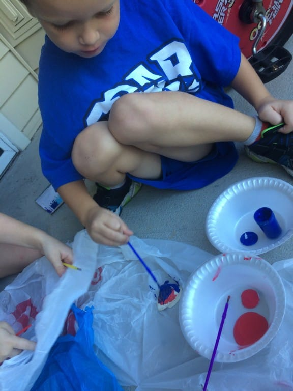 Seashell Painting is a fun, after beach activity.