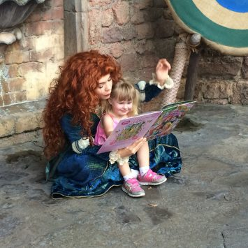 The Best Disney Autograph Book For Character Interactions