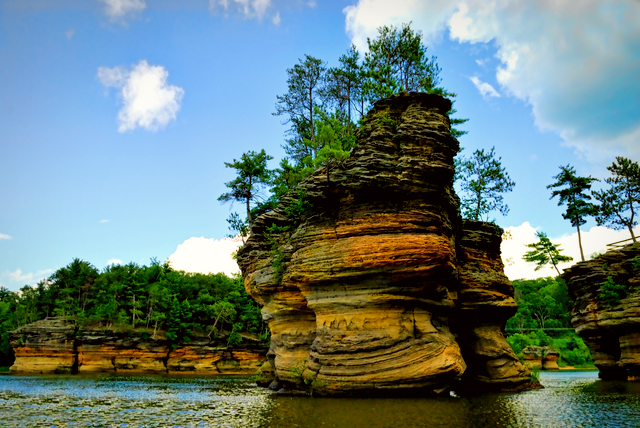 The Wisconsin Dells is one of the many fantastic destinations to consider when looking into kid-friendly vacations.