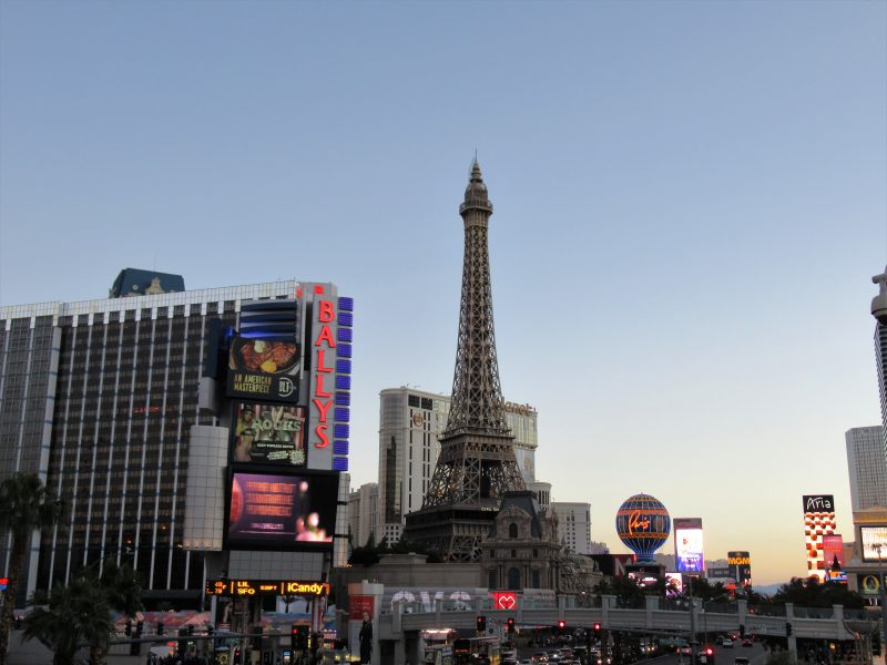 How To Plan A High-Roller Trip To Las Vegas on a Hobo Budget